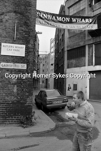 Gainsford Street, Shad Thames street, Cinnamon Wharf new show homes banner 1980s. Butlers Wharf  building the London Docklands Development 1987 Bermondsey,  Southwark, South East London.