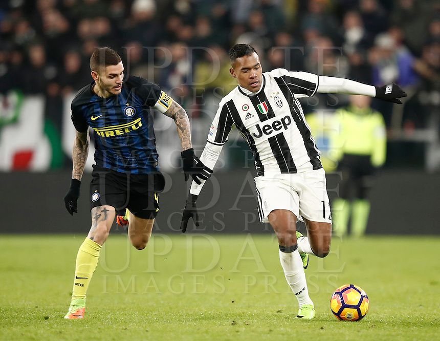 Calcio, Serie A: Torino, Juventus Stadium, 5 febbraio 2017.<br /> Inter Milan's Mauro Icardi (l) in action with Juventu's Alex Sandro (r) during the Italian Serie A football match between Juventus and Inter Milan at Turin's Juventus Stadium, on February 5, 2017.<br /> UPDATE IMAGES PRESS/Isabella Bonotto