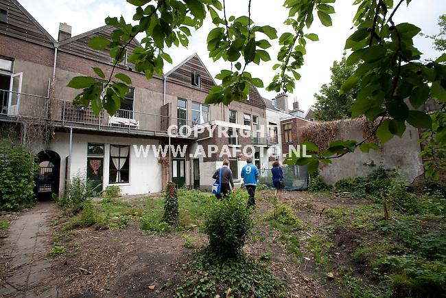 Arnhem, 090611<br /> Reportage klushuizen Hommelseweg <br /> Foto: Sjef Prins - APA Foto