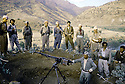 Irak 1985 Dans les zones libérées, région de Lolan,entrainement militaire de peshmergas  Iraq 1985 In liberated areas, Lolan district, military training of peshmergas