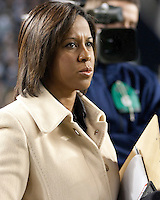 ABC sideline reporter Lisa Salters. The Pittsburgh Panthers defeat the Notre Dame Irish 27-22 at Heinz Field, Pittsburgh Pennsylvania on November 14, 2009..