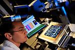 IM2NP : Institut Matériaux Microélectronique Nanosciences de Provence. - Faculté de Saint-Jérôme - Marseille -  équipe OPTO-Photovoltaique - Mesure de photocourant sur une cellule photovoltaïque en silicium.