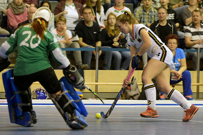 Berlin, Germany, February 10: During the FIH Indoor Hockey World Cup semi-final match between Belarus (dark blue) and Germany (white) on February 10, 2018 at Max-Schmeling-Halle in Berlin, Germany. Final score 2-3. (Photo by Dirk Markgraf / www.265-images.com) *** Local caption ***?Nike LORENZ #4 of Germany