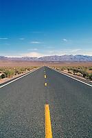 Highway through the Mojave Desert, Southern California, CA, USA