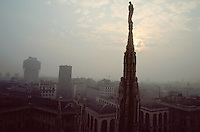 - Milan,  atmospheric pollution seen from the roof of the Dome cathedral....- Milano, inquinamento atmosferico visto dal tetto del Duomo