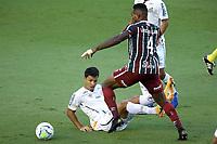 Santos (SP), 21.02.2020 - Santos-Fluminense - O jogador Lucas Claro e Marcos Leonardo. Partida entre Santos e Fluminense valida pela 37. rodada do Campeonato Brasileiro neste domingo (21) no estadio da Vila Belmiro em Santos.