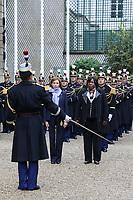 FLORENCE PARLY (MINISTRE DES ARMEES), MARIE NOELLE KOYARA (MINISTRE DE LA DEFENSE DE LA REPUBLIQUE CENTRAFRICAINE) - ENTRETIEN DE FLORENCE PARLY, MINISTRE DES ARMEES, AVEC MARIE NOELLE KOYARA, MINISTRE DE LA DEFENSE DE LA REPUBLIQUE CENTRAFRICAINE A L'HOTEL DE BRIENNE, PARIS, FRANCE, LE 10/11/2017.