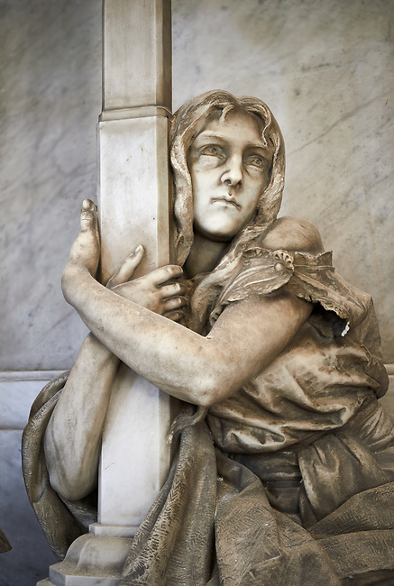 Picture and image of the stone sculpture of a Jannet Duff and her gireving son. Sculpted by L Beltrami 1894. The monumental tombs of the Staglieno Monumental Cemetery, Genoa, Italy