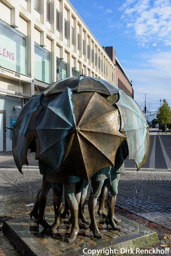 """Skulptur """"Böst"""" (Mistwetter) von Fred Åberg in Trelleborg, Provinz Skåne (Schonen), Schweden, Europa<br /> Skulptuer """"Böst""""  by Fred Åberg in Trelleborg, Sweden"""