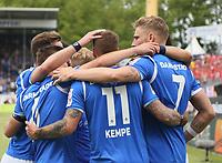 celebrate the goal, Torjubel zum 2:0 um Torschuetze Felix Platte (SV Darmstadt 98) mit Tobias Kempe (SV Darmstadt 98), Joevin Jones (SV Darmstadt 98) - 28.04.2018: SV Darmstadt 98 vs. 1. FC Union Berlin, Stadion am Boellenfalltor, 32. Spieltag 2. Bundesliga