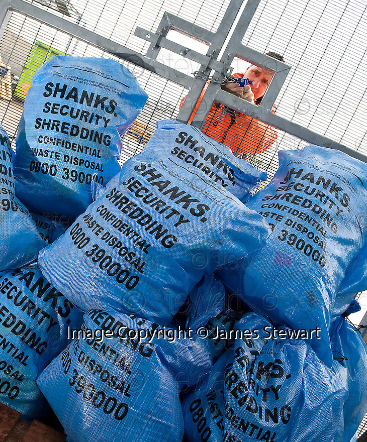 ::  SERCO :: FORTH VALLEY ROYAL HOSPITAL :: ROBOTS, PORTERING & WASTE ::  SECURITY WASTE MANAGEMENT ::