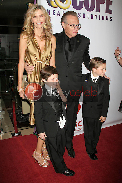 """Shawn Southwick and Larry King with family<br />at """"An Evening with Larry King and Friends"""" fundraising gala. The Beverly Hilton Hotel, Beverly Hills, CA. 11-21-06<br />Dave Edwards/DailyCeleb.com 818-249-4998"""