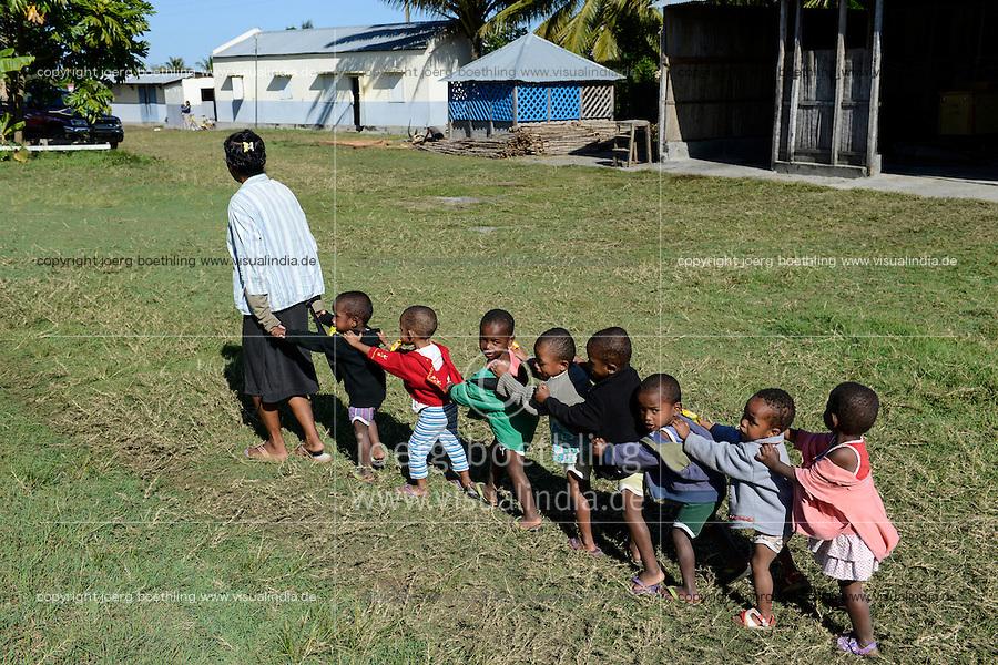 MADAGASCAR, Mananjary, tribe ANTAMBAHOAKA, fady, according to the rules of their ancestors twin children are a taboo and not accepted in the society, the orphanage FANATENANE Center takes care for abandoned twins  / MADAGASKAR, Zwillinge sind ein Fady oder Tabu beim Stamm der ANTAMBAHOAKA in der Region Mananjary, Waisenhaus FANATENANE Center betreut Zwillingskinder die ausgesetzt oder von ihren Eltern abgegeben wurden