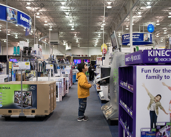November 25, 2011. Durham, NC.. Black Friday sales at BestBuy and Walmart at New Hope Commons.<br />  Please Contact Redux Pictures at 212-253-0399 for sales of this image.