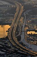 BAB A7 Waltershof: EUROPA, DEUTSCHLAND, HAMBURG, (EUROPE, GERMANY), 21.12.2009:  Europa, Deutschland, Hamburg, A7, Waltershof, Zufahrt Containerterminal,  Achse, Verkehrsader, suedlicher Ausgnag Elbtunnel,Hafenquerspange, Bau, Planung, Stadtplanung, Verkehr, Uebersicht, Luftbild, Luftansicht, <br />c o p y r i g h t : A U F W I N D - L U F T B I L D E R . de<br />G e r t r u d - B a e u m e r - S t i e g 1 0 2, <br />2 1 0 3 5 H a m b u r g , G e r m a n y<br />P h o n e + 4 9 (0) 1 7 1 - 6 8 6 6 0 6 9 <br />E m a i l H w e i 1 @ a o l . c o m<br />w w w . a u f w i n d - l u f t b i l d e r . d e<br />K o n t o : P o s t b a n k H a m b u r g <br />B l z : 2 0 0 1 0 0 2 0 <br />K o n t o : 5 8 3 6 5 7 2 0 9<br />V e r o e f f e n t l i c h u n g  n u r  n a c h  H o n o r a r  a b s p r a c h e, N a m e n s n e n n u n g  u n d  B e l e g e x e m p l a r !
