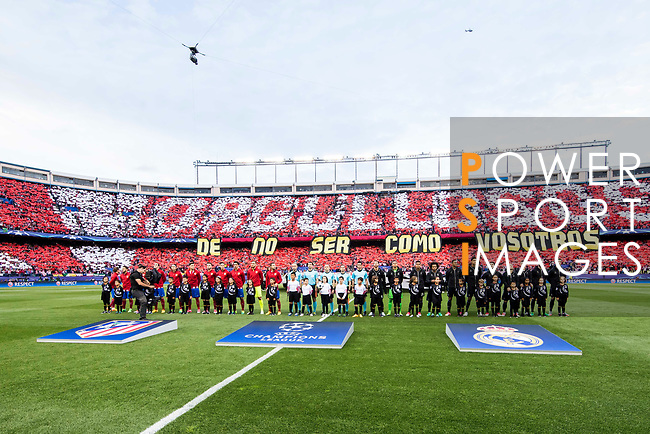 Players of Atletico de Madrid and Real Madrid line up and pose for photos prior to the 2016-17 UEFA Champions League Semifinals 2nd leg match between Atletico de Madrid and Real Madrid at the Estadio Vicente Calderon on 10 May 2017 in Madrid, Spain. Photo by Diego Gonzalez Souto / Power Sport Images