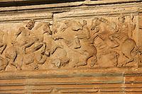 Europe/France/Midi-Pyrénées/46/Lot/Assier: l'Eglise et sa frise de 148 mde long qui célèbre les exploits de Jacques Galiot de Genouillac