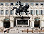 Italien, Piemont, Hauptstadt Turin: Piazza San Carlo, Reiterstandbild Herzog Emanuele Filiberto I.   Italy, Piedmont, capital Torino: Piazza San Carlo, statue Emanuele Filiberto I.