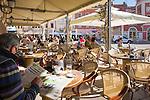 Croatia, Istria, Rovinj - Perl of Istria: café of hotel Adriatic at square 'Trg Marsala Tita' (Marshal Tito Square) | Kroatien, Istrien, Rovinj - die Perle Istriens: Caféterrasse des Hotels Adriatic auf dem Platz 'Trg Marsala Tita' (Marschall Tito Platz)