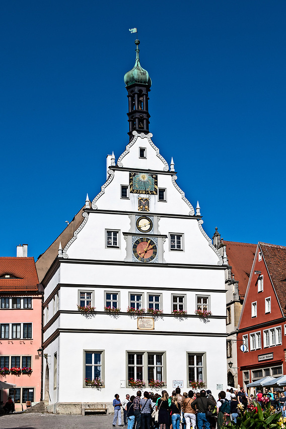 This is the Rattrinkstube, or town councillors' tavern, which is located on one side of the Marktplatz, the main town square of Rothenburg — in Rothenburg ob der Tauber.