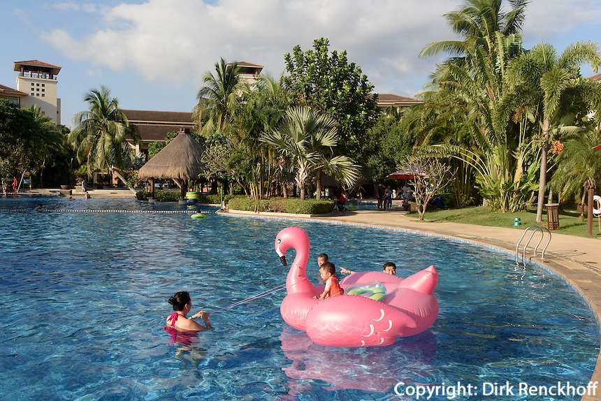 Club Med an der Sanya Bay auf der Insel Hainan, China<br />  Club Med at Sanya Bay, Hainan island, China