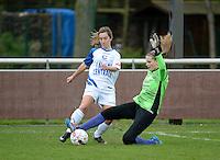Finale Beker van West-Vlaanderen Vrouwen FC Knokke - SK Opex Girls Oostende :  duel tussen Katinka Dubois (links) en doelvrouw Tiffany Buysens (rechts)<br /> foto VDB / BART VANDENBROUCKE