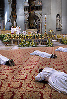 Pope Benedict XVI waves as celebrates a bishops ordination mass in Saint Peter's Basilica at the Vatican September 29, 2007... December. 25, 2007.. .