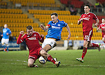 St Johnstone v Aberdeen...23.01.15   SPFL<br /> Jonny Hayes denies Steven MacLean a shot at goal<br /> Picture by Graeme Hart.<br /> Copyright Perthshire Picture Agency<br /> Tel: 01738 623350  Mobile: 07990 594431