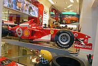 - shopping nel centro di Milano, corso Vittorio Emanuele e via Montenapoleone, Ferrari store....- shopping in Milan downtown, Vittorio Emanuele and  Montenapoleone street, Ferrari Store