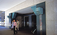 Helmut Jahn: Chicago Board of Trade Addition--west entrance.  Photo '88.