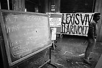 milano, autogestione della facoltà di scienze come forma di protesta contro la riforma dell'istruzione  --- milan, self-management of the faculty of science as a form of protest against the school reform