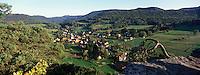 Europe/France/Alsace/67/Bas-Rhin/Env d'Obersteinbach : Vue sur la vallée du Steinbach et la route des châteaux forts -Parc Naturel Régional des Vosges du Nord
