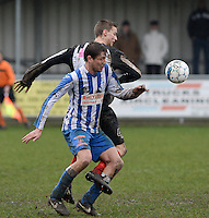 Club Roeselare - WS Oudenburg : duel tussen Giovanni Houthoofd (links) en Jakob Ingelbeen (r)<br /> Foto VDB / Bart Vandenbroucke