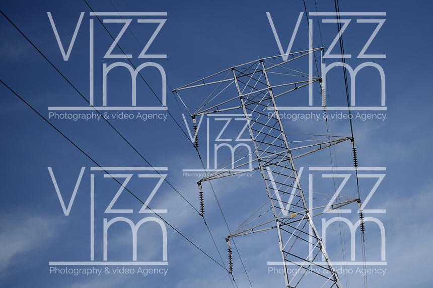 BOGOTÁ-COLOMBIA-10-01-2013. Torre de conducción de electricidad./ Conducting electricity tower   Photo: VizzorImage/STR