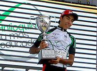 COLOMBIA. 17-08-2014. Aldemar Reyes campeón de la Sub 23 de la Vuelta a Colombia 2014 en bicicleta que se cumple entre el 6 y el 17 de agosto de 2014. / Aldemar Reyes cyclist Sub 23 champion of the Tour of Colombia 2014 in bike holds between 6 and 17 of August 2014. Photo:  VizzorImage/ José Miguel Palencia / Str
