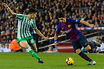 Luis Alberto Suarez Diaz of FC Barcelona competes for the ball with Marc Bartra Aregall of Real Betis during the La Liga 2018-19 match between FC Barcelona and Real Betis at Camp Nou, on November 11 2018 in Barcelona, Spain. Photo by Vicens Gimenez / Power Sport Images