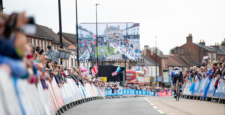Picture by Allan McKenzie/SWpix.com - 25/09/2019 - Cycling - 2019 UCI Road World Championships - Men's Elite Individual Time Trial - Yorkshire, England - Crowds of fans gather in Northallerton for the UCI Road Worlds Championships.