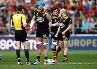 Photo: Richard Lane/Richard Lane Photography. RC Toulon v Wasps.  European Rugby Champions Cup Quarter Final. 05/04/2015. Wasps' James Haskell talks to the referee.