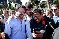 Matteo Salvini di fa un selfie <br /> Roma 20-04-2016 Matteo Salvini incontra gli urtisti al Colosseo. Gli urtisti, o venditori ambulanti di articoli per turisti, protestano perche' è stato loro concesso uno spazio minimo.<br /> Rome 20th April 2016. Matteo Salvini meets the hawkers at Coliseum.<br /> Photo Samantha Zucchi Insidefoto