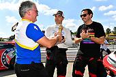 Chris Baker, director of motorsport, Michelin North America presents IMPC Fan Engagement Award to #89 HART Honda Civic TCR, TCR: Chad Gilsinger, Ryan Eversley