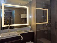 Zimmer im Hotel Courtyard by Marriott Hamburg City, Adenauerallee 52 , Hamburg, Deutschland, Europa<br /> room in Hotel Courtyard by Marriott Hamburg City, Adenauerallee 52 , Hamburg, Germany, Europe
