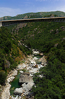 Straßenbrücke über den Vecchio nahe Venaco, Korsika, Frankreich
