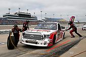 #17: Raphael Lessard, DGR-Crosley, Toyota Tundra RESEAU Dynamique.com / FRL Express INC. pit stop