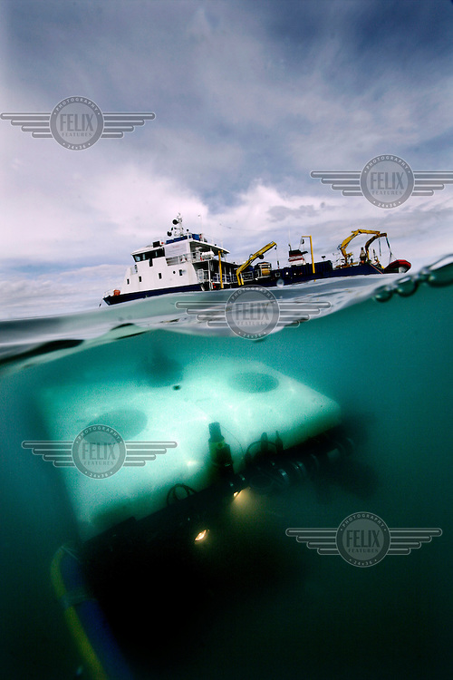The ROV is lowered into the water from the research vessel Cehili. ©Fredrik Naumann/Felix Features