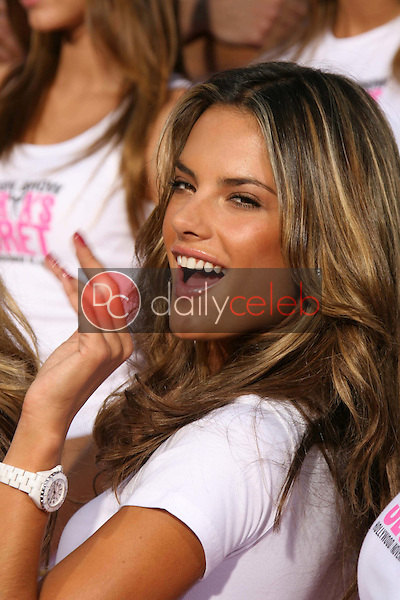 Alessandra Ambrosio<br />receiving the Key to the City of Hollywood. Grauman's Chinese Theatre, Hollywood, CA. 11-15-06<br />Dave Edwards/DailyCeleb.com 818-249-4998