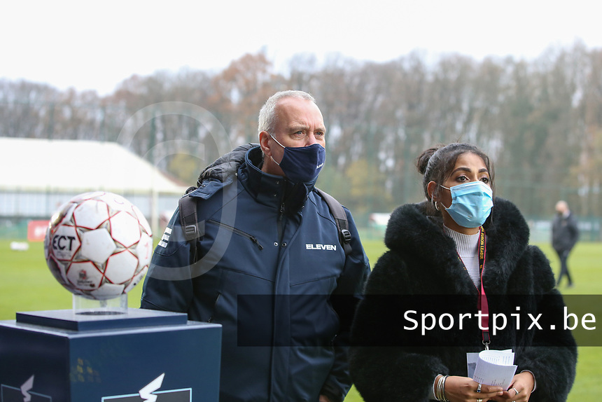 Eleven sports anchorman and his assistant are pictured before a female soccer game between Standard Femina de Liege and RSC Anderlecht on the 9th matchday of the 2020 - 2021 season of Belgian Scooore Womens Super League , saturday 12 th of December 2020  in Angleur , Belgium . PHOTO SPORTPIX.BE | SPP | SEVIL OKTEM