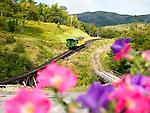 USA, Neuengland, Mount Washinton Cog Railway, 04.09.2010<br /> <br /> Engl.: USA, New England, Mount Washington Cog Railway, transport, traffic, landscape, 04 September 2010