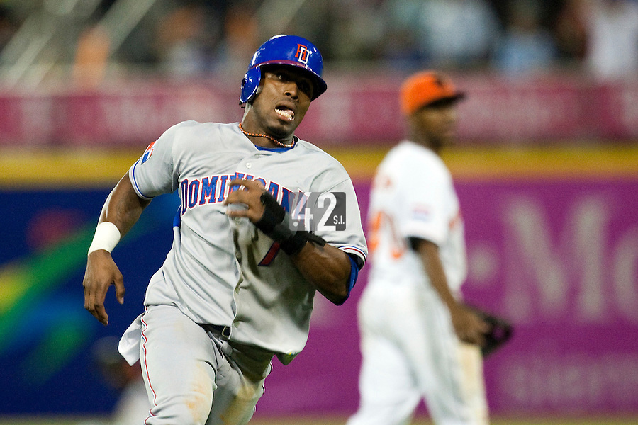 10 March 2009: #7 Jose Reyes runs the bases en route to score a run in the eleventh inning breaking a 0-0 tie against the Netherlands during the 2009 World Baseball Classic Pool D game 5 at Hiram Bithorn Stadium in San Juan, Puerto Rico. The Netherlands pulled off second upset to advance to the secound round. The Netherlands come from behind in the bottom of the 11th inning and beat the Dominican Republic, 2-1.