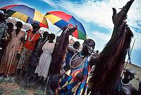 Rumbek / South Sudan.<br /> Tra i Dinka della regione del Bahr El Ghazal, pastori di religione cristiana che vivono in lotta con la tribù di agricoltori Nuer, musulmani. <br /> Among the Dinka of Bahr El Ghazal region, cristians shepherds living in struggle with the Nuer tribe of muslim farmers.<br /> Photo Livio Senigalliesi