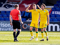 13th March 2021; Global Energy Stadium, Dingwall, Highland, Scotland; Scottish Premiership Football, Ross County versus Hibernian; Hibs players cannot believe the referees call